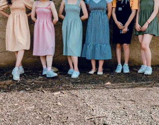 Sukienki dopracy – które sprawdzą się najlepiej?