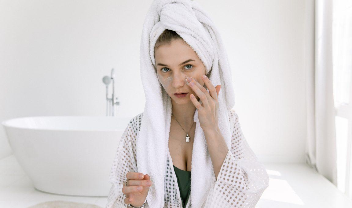 Odwodniona skóra – jak onią dbać?