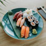 Sushi – zamówić czywybrać się dolokalu?